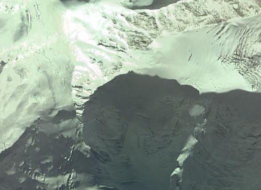 アムネマチン山空中.jpg