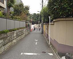 不動谷への坂道.JPG