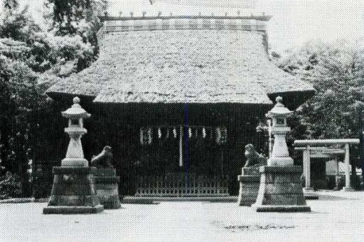 中井御霊社(茅葺き).jpg