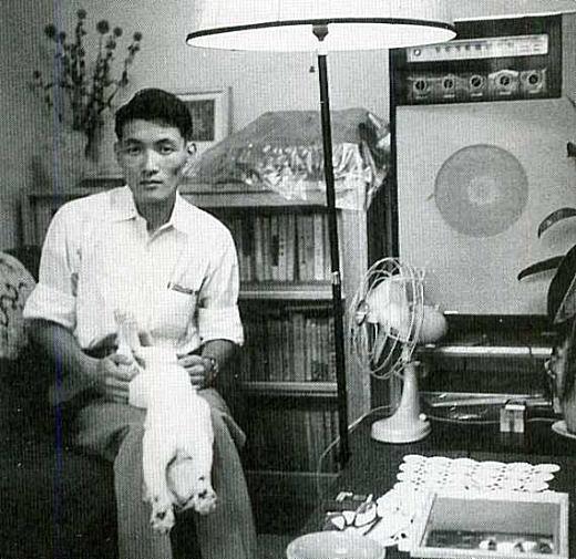 中井英夫市谷台町時代1956.jpg
