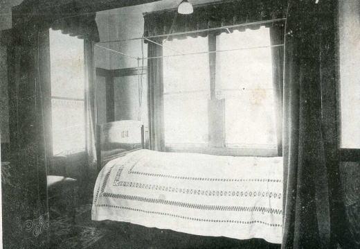 住宅寝室192101.jpg