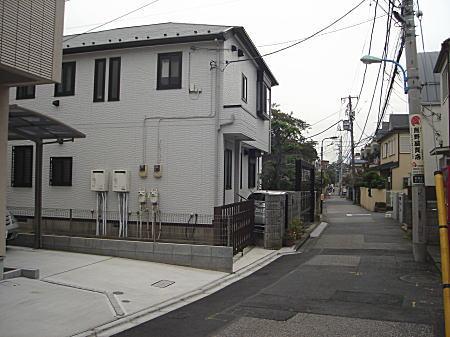八島さんの前通り01.jpg