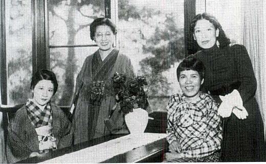 吉屋信子邸にて1936.jpg
