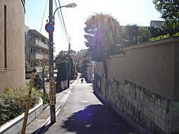 吉田邸東側道.JPG