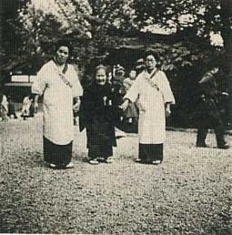 大日本婦人会戦死遺族奉仕.jpg