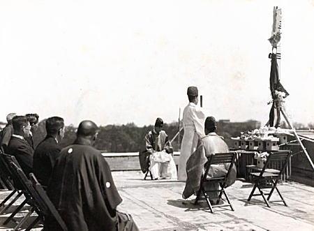 大隈講堂棟上式1927.jpg