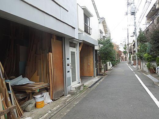 太陽のない街3.JPG