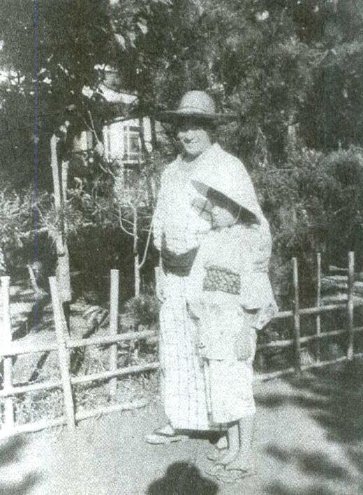 岸田劉生・麗子1923.jpg