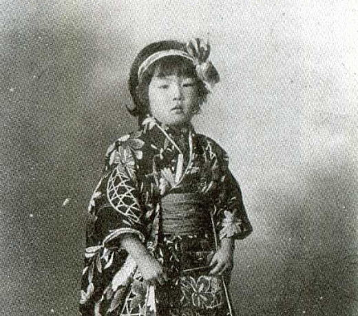 岸田麗子1918(5歳).jpg