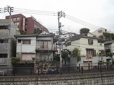 御霊橋バッケ.JPG