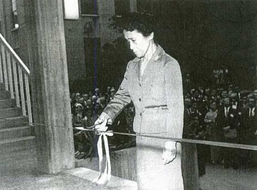 新図書館落成1964.jpg