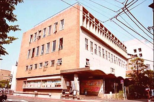 早稲田大学第一学生会館.jpg