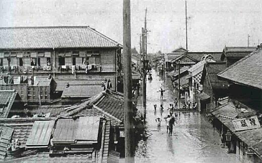 東京大洪水本所小学校191008.jpg