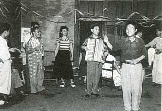 東京藝大食堂パーティー1950.jpg