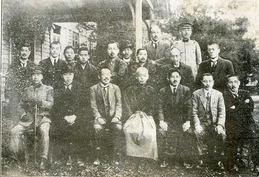 校長次長教職員1922.jpg