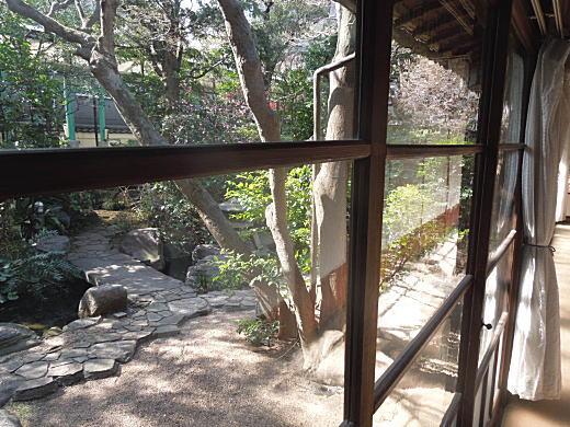 森鴎外邸縁側2.JPG