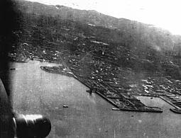 横須賀上空ドーリットル隊19420418.JPG
