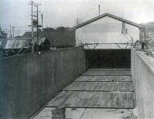 目白水槽浅喫水線試験装置仮底取付工事1938.jpg