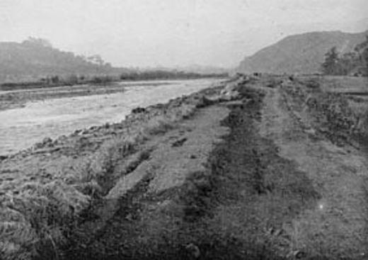 花水川堤防192309.jpg