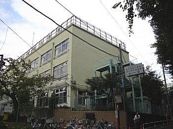 落合第四小学校2009.JPG
