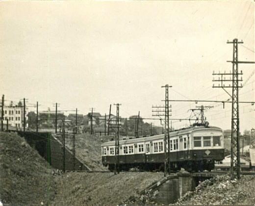 西武鉄道モハ311形(昭和20年代).jpg