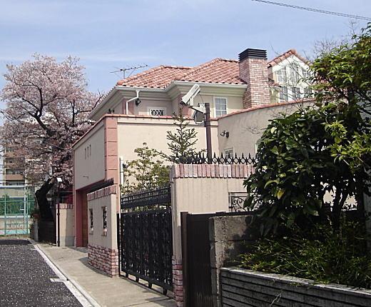 西洋館(10年で解体).JPG