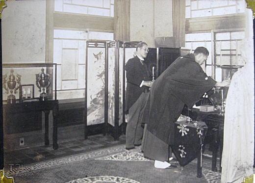 近衛公爵へ仏舎利奉呈3.jpg