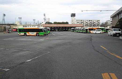 都バス車庫整備場.JPG