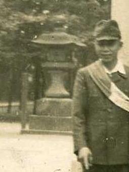 長崎神社灯籠(戦前).jpg