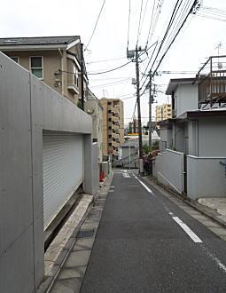 雑司ヶ谷の坂3.JPG