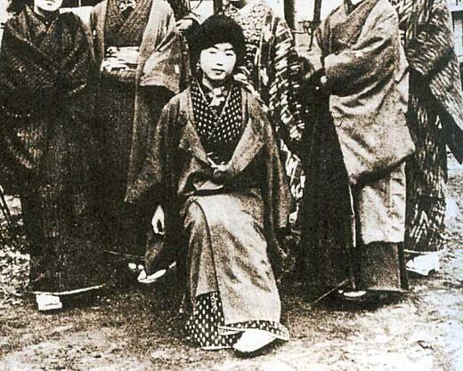 青鞜新年会19120125.jpg
