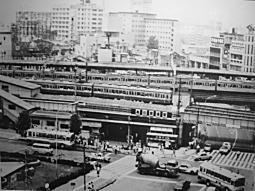 高田馬場駅1970.JPG
